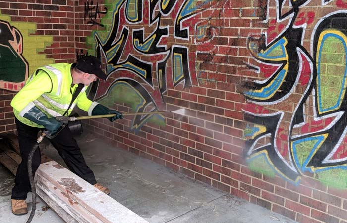 Types of Graffiti Removal Products to Clean Up
